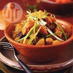 Marokkaanse rundvleestajine met zoete aardappelen, kikkererwten en zuidvruchten @ allrecipes.nl