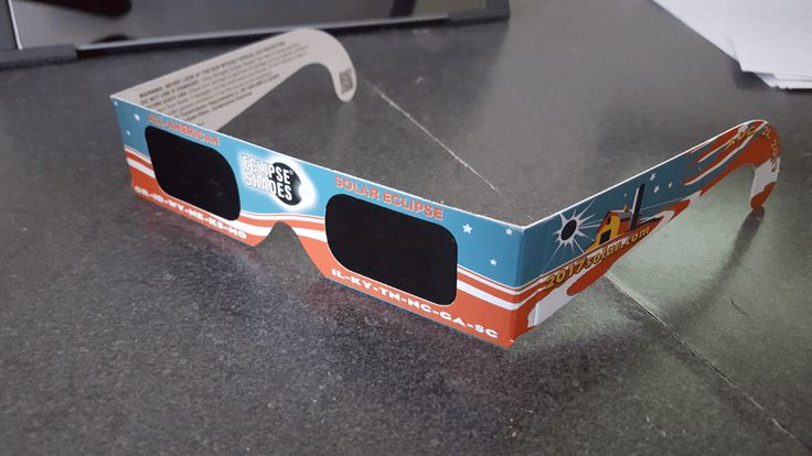 how to make solar eclipse view glasses