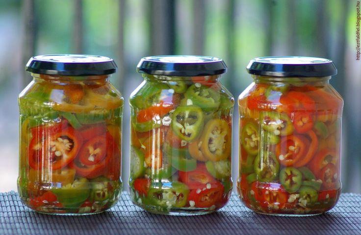 Ecetes csípős paprika télire eltéve – chili ecetbe...