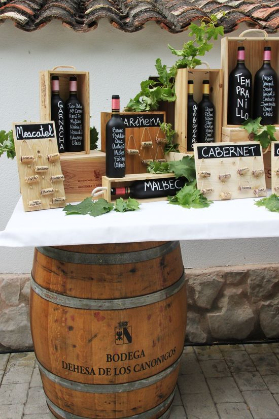 wine corcks escort cards | Burgundy Wedding | Matrimonio color borgogna | Sweet September...http://theproposalwedding.blogspot.it/ #autumn #fall #autunno