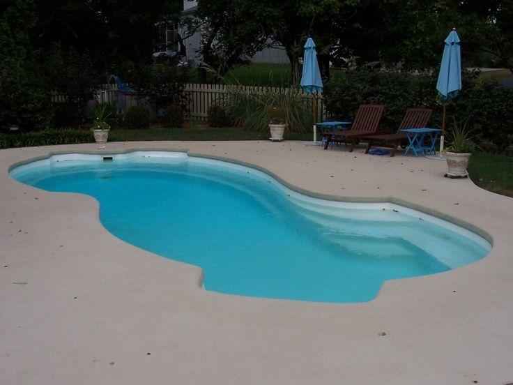 Best 25 fiberglass swimming pools ideas on pinterest for Fiberglass pool kits