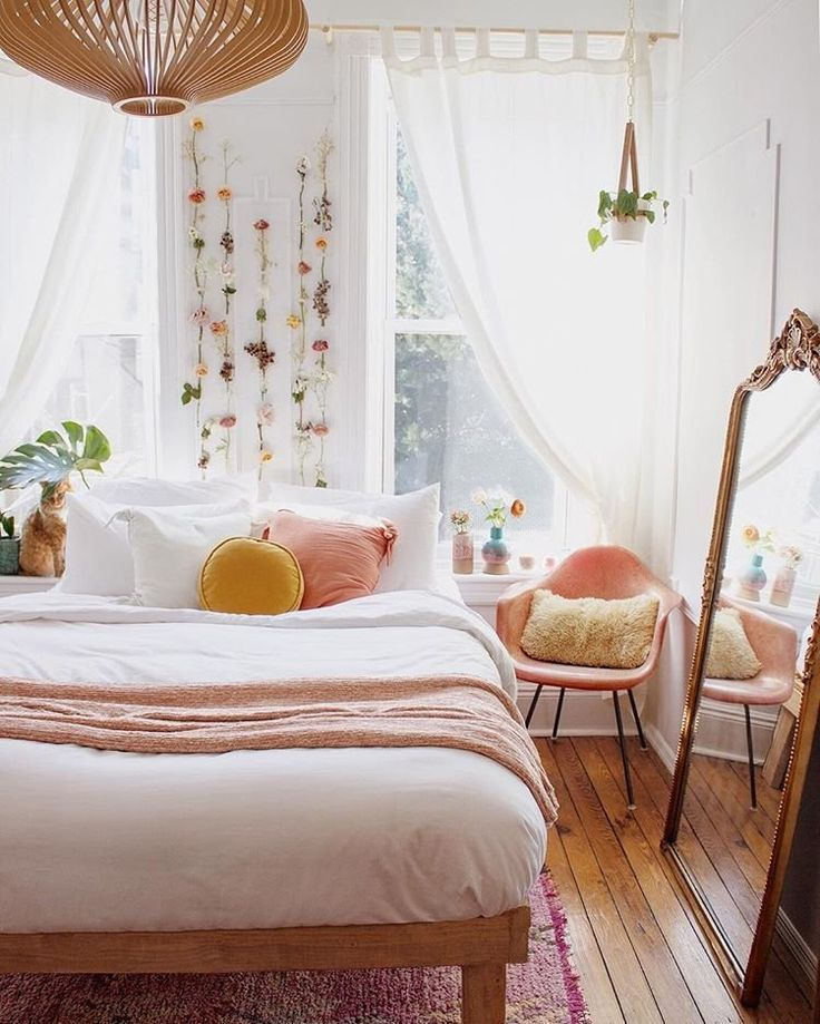 Peachy and cozy! #peach #bedroomideas #bedroom #tr…