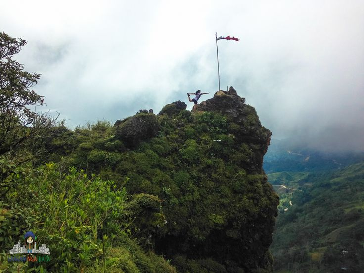 Kandungaw Peak is one of the mountains in Badian that offers a majestic view. Check out my post to learn more about my trek experience to this monolith.