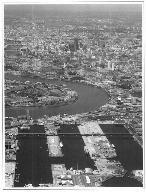 Canary Wharf before the skyscrapers. Front cover to the LDDC annual report 1986/87. Love this.