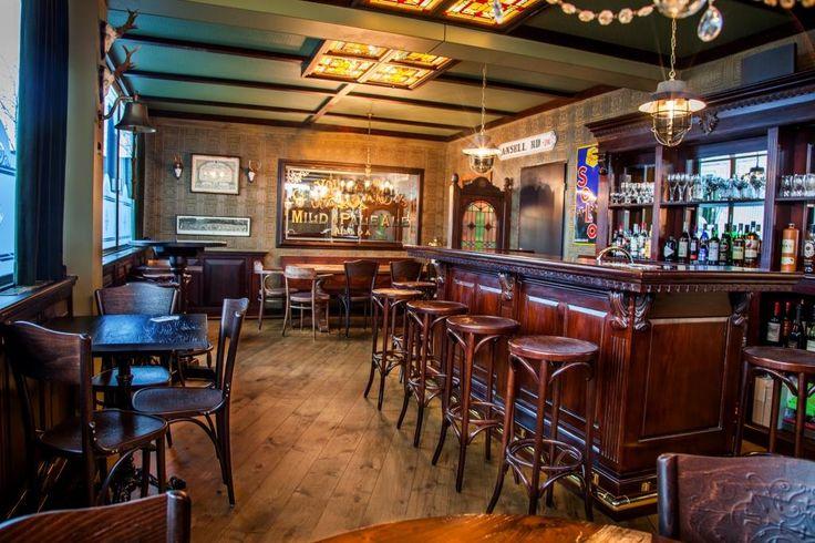 Engels horeca Interieur | Horeca Interieurbouw | Mancave | Bar op maat | Interieurbouw | Irish Pub | Horecameubilair | Horeca Tafels | Oudewater