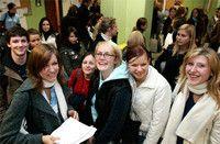 Inklusive Pädagogik & Kommunikation (M.A.)(berufsbegleitend) Universität Hildesheim Der Master-Studiengang ist ein Weiterbildungsstudiengang, der länderübergreifend (Kooperation mit der Schweiz) angelegt ist und in Deutschland ein Alleinstellungsmerkmal besitzt. Er ist modular angelegt und kann über 2 Jahre berufsbegleitend studiert werden. Zielsetzung ist die Qualifizierung von Schulleitungen, Lehrkräften, behördlichen Vertretern-Innen und im Bildungsbereich agierende Personen.