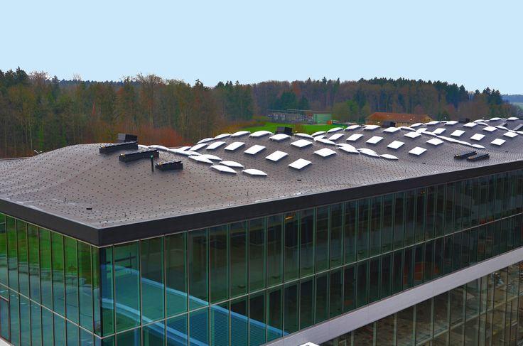 Holz und Kautschuk, eine wunderbare Kombination. ETH in Zürich, sicht von oben. /// Bois et caoutchouc, une merveilleuse combinaison. EPF de Zurich, vue de dessus.