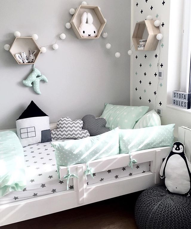 love the black and white with mint!