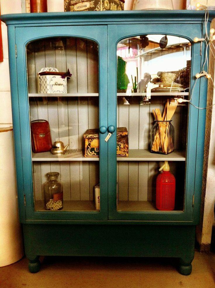 Image of vitrina vintage madera pintada azul y gris for Comedor gris vintage