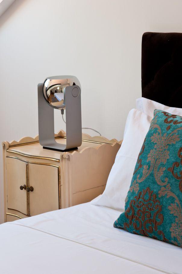 Our warm rooms and simple details! Os nossos quartos acolhedores e pequenos detalhes.