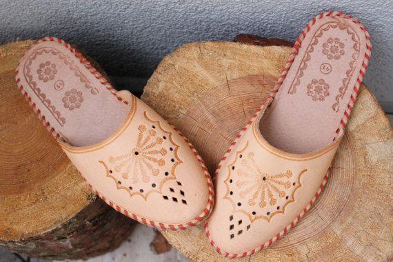 Leder Pantoffeln Kalb Frauen Mokassins Damen von COZYANDNICESHOP