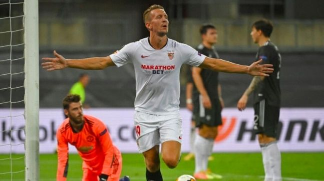 Europa League Luuk De Jong Fires Sevilla Into 6th Final After 2 1 Win Over Manchester United In 2020 Manchester United Europa League Sevilla