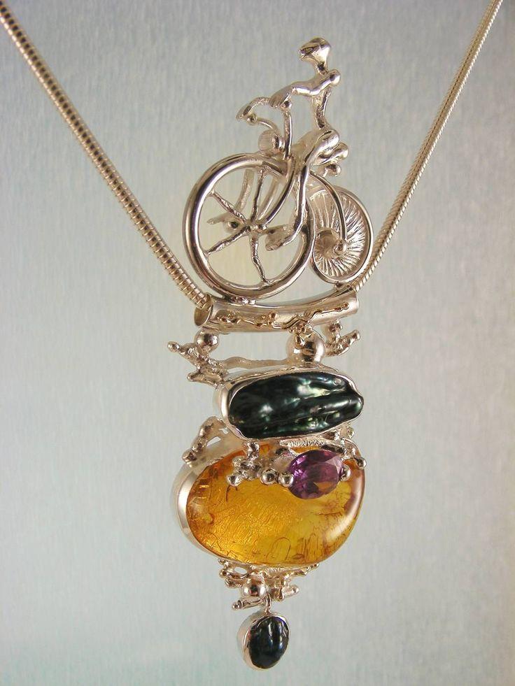 gregory pyra piro #smykkekunst #anheng sterling #sølv og #gull med #edelsten