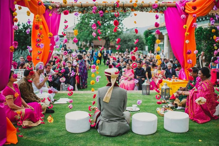 dangling flowers to decorate the mandap