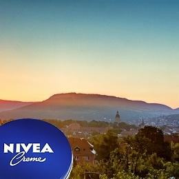 NIVEA sucht das schönste Bild und verlost pflegende Gewinne. #pflegegehtaufreisen