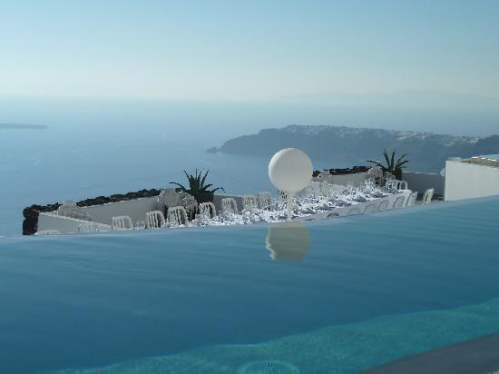 Private Villa Infinity Pool at Grace Santorini Hotel, Greece.