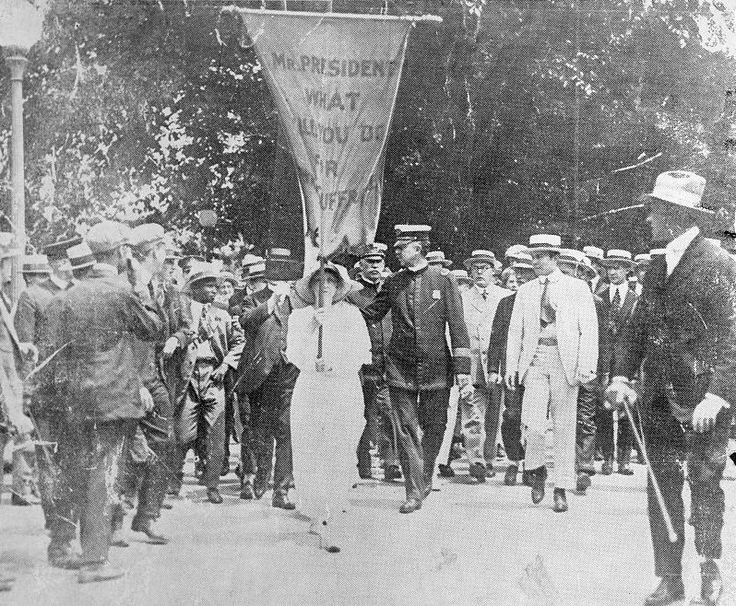 Mabel Vernon of Delaware protests for women's suffrage