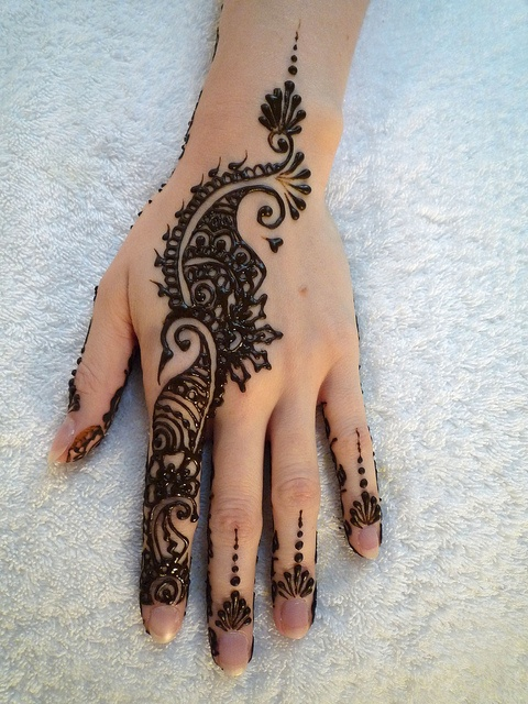 nice mehndi design for front of the hands