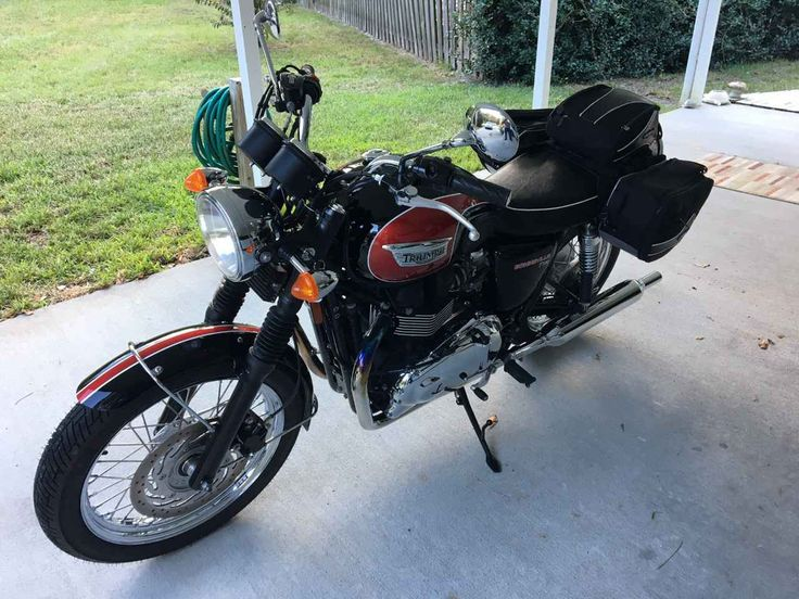 Used 2014 Triumph BONNEVILLE T100 Motorcycles For Sale in Florida,FL. This bike is in excellent condition and has less than 2600 miles on it. Comes with a 3 piece Cortech soft luggage set. Great commuter or weekend get away bike.