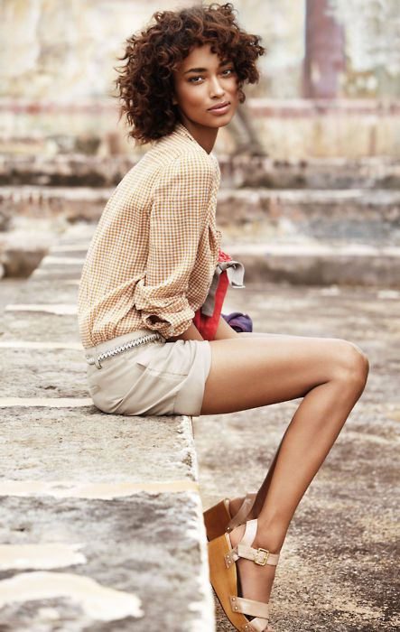 ...: Models, Outfits, Natural Beautiful, Summer Style, Curls, Shorts, Style Guide, Wedges Sandals, Curly Hair