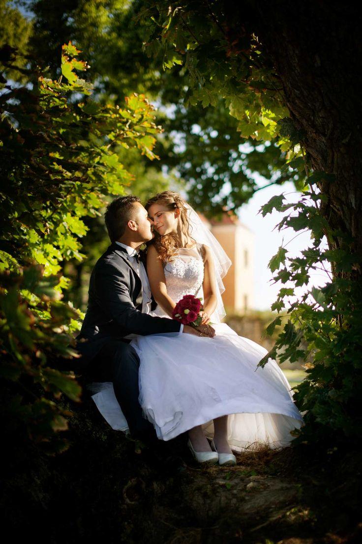 romantyczne zdjęcia to esencja fotografii ślubnej.  www.soft-light.pl