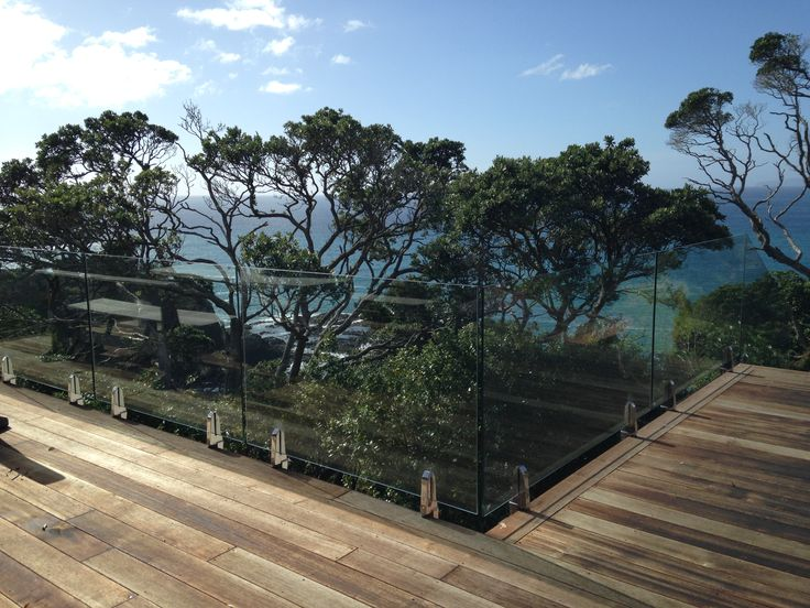17 best ideas about frameless glass balustrade on for Balustrade aluminium exterieur