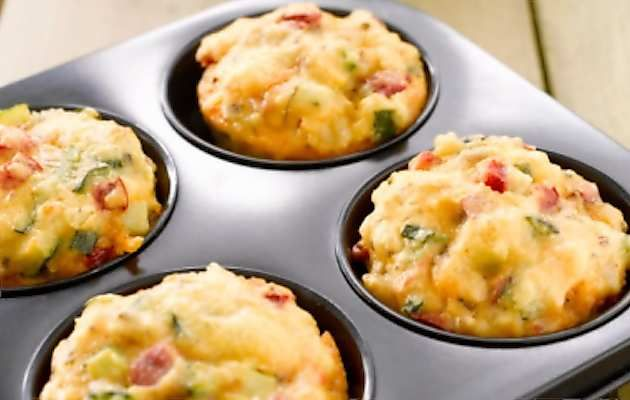 Muffin di zucchine e pancetta
