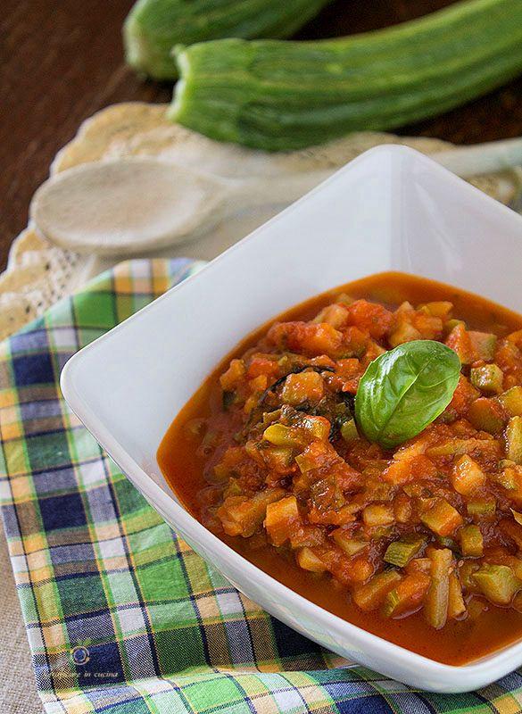 Sugo di verdure semplice veloce e leggero http://blog.giallozafferano.it/graficareincucina/sugo-di-verdure-semplice-veloce-e-leggero/