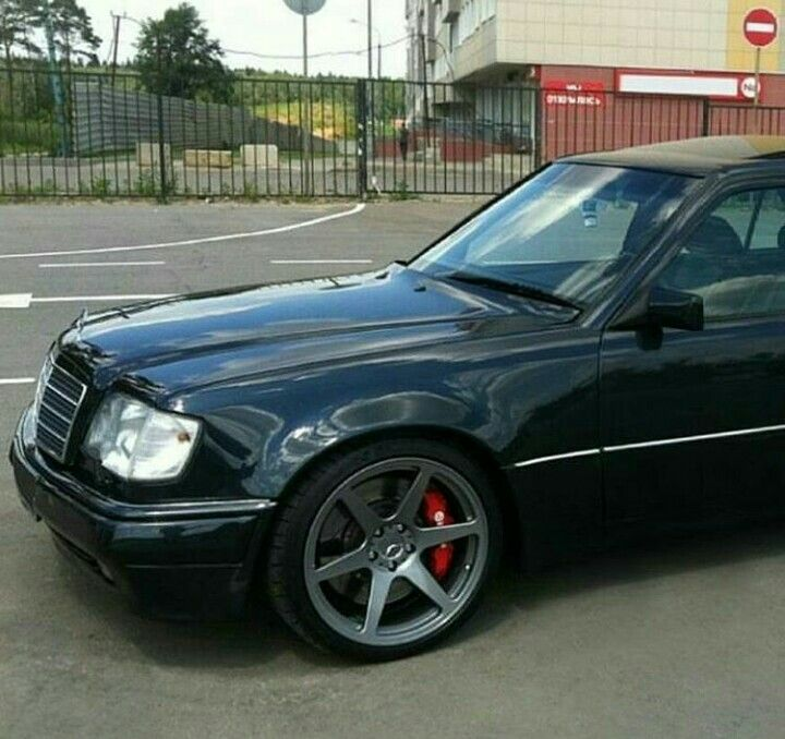 111 best mercedes benz w124 images on pinterest cars for Nice mercedes benz