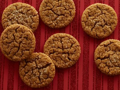 Get this all-star, easy-to-follow Jamie's Old-Fashioned Ginger Crinkle Cookies recipe from Jamie Deen