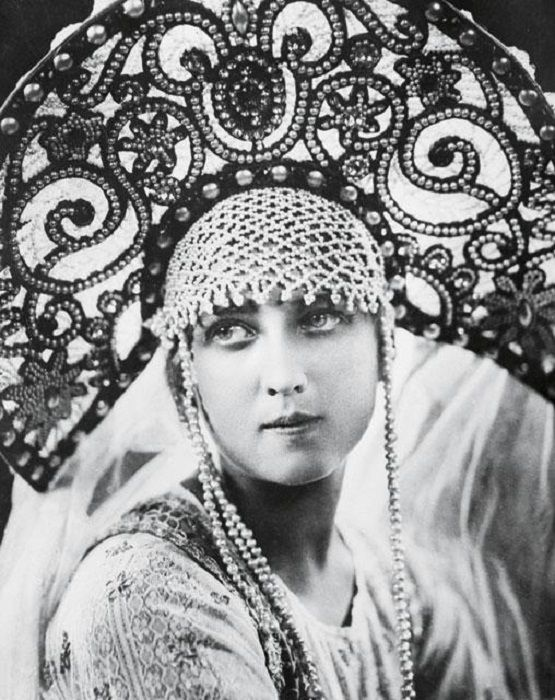 """Old photograph of a Russian traditional headdress """"Kokoshnik"""". Russian actress Anel Sudakevich in the movie """"Victory of a Woman"""", 1927."""