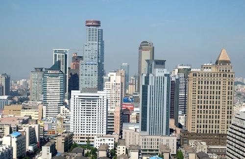 Known as Jinling in old days, Nanjing is the capital of Jiangsu.