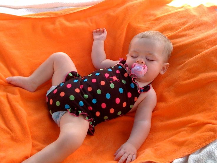 "Dig a ""baby hole"" in the sand.  put towels over it and it will stay cool in the shade for baby to sleep."