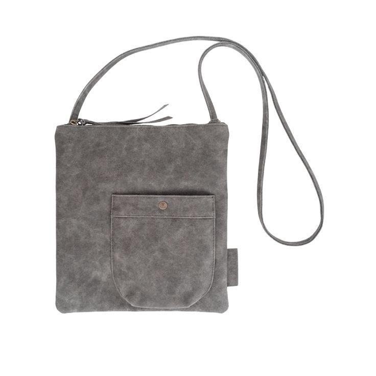 Eenvoudige tas M, basic en stoer. Als de eenvoudige tas S net iets te klein is voor je gevoel dan is deze eenvoudige tas M een echte aanrader! Deze tas is
