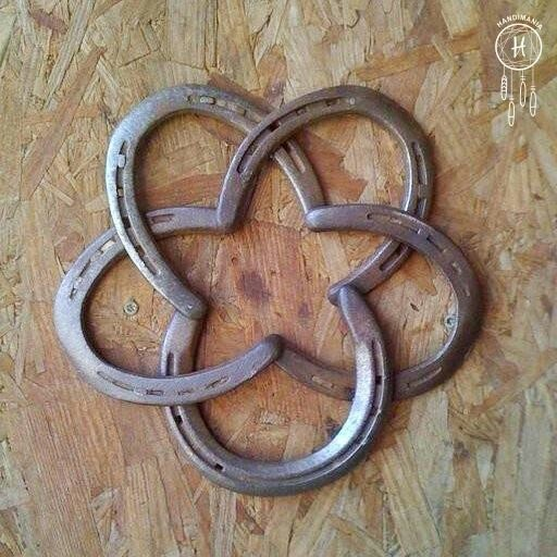 17 best images about great things made from horse shoes on for Things made from horseshoes