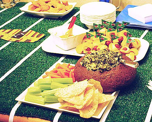 Superbowl tablescapes and food ideas: Food Ideas, Parties Ideas, Party Ideas