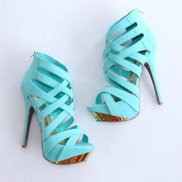 Super high heels platforms in aqua