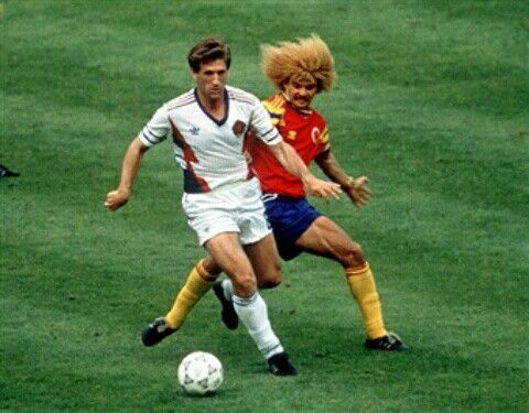 Yugoslavia 1 Colombia 0 in 1990 in Bologna. Safet Susic has Carlos Valderrama biting at his heels in Group D #WorldCupFinals