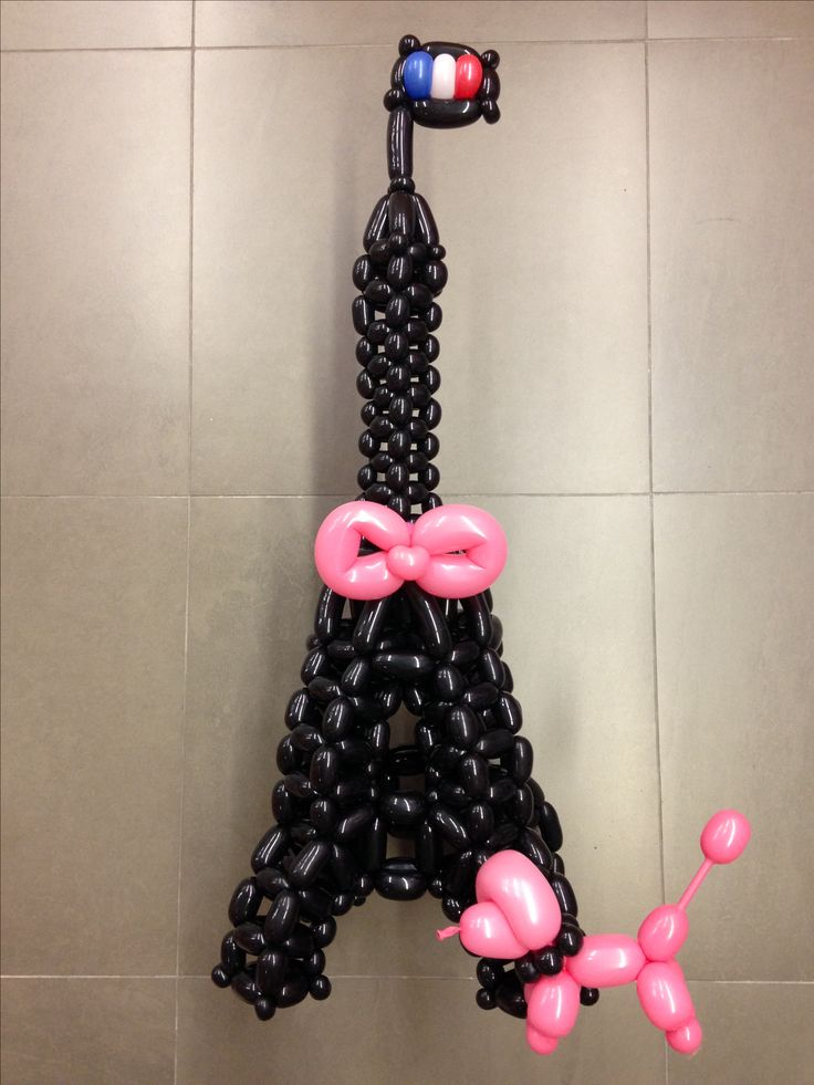 Twisted balloon Eiffel-tower