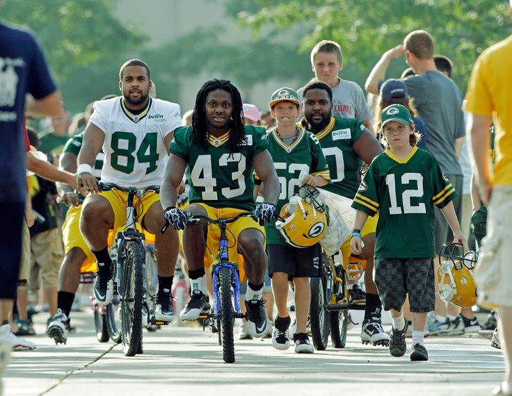 Bikes Green Bay Wis Green Bay Packers players make