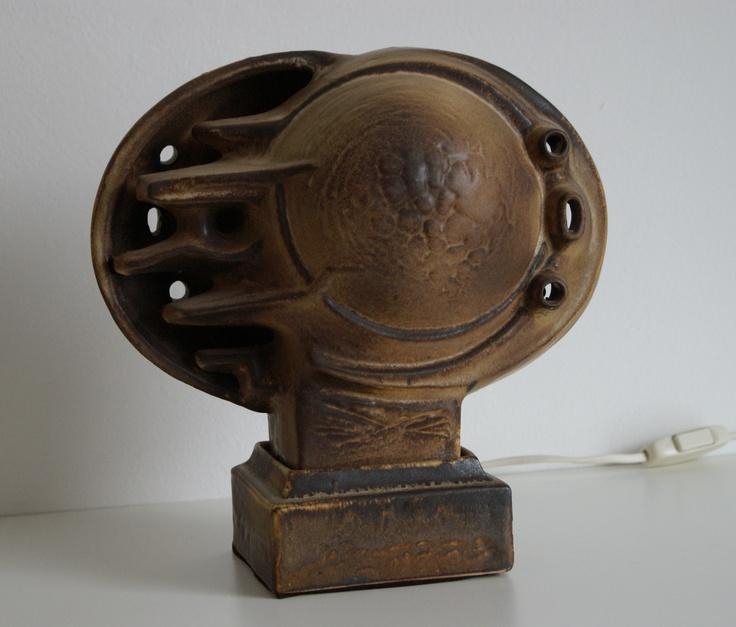 Lore Ceramics Beesel The Netherlands 1967-1981 Matt Camps B97 lamp brown ( jellyfish )