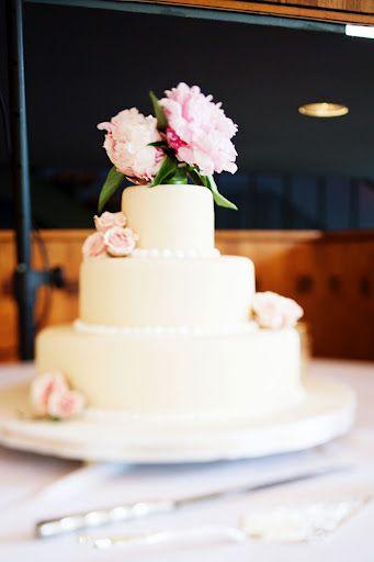 à propos de Gâteaux De Mariage De Pivoine sur Pinterest  Mariage ...