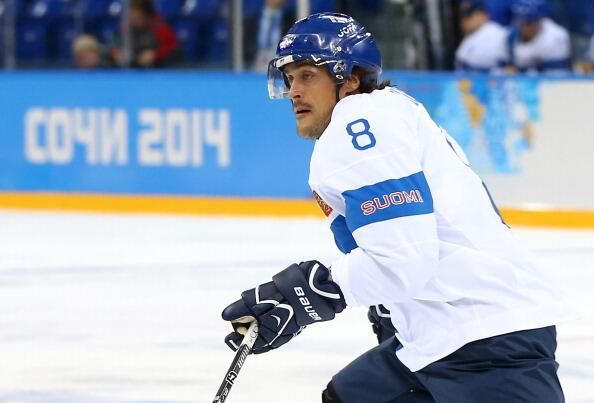 Teemu Selänne - Team Finland ends his Olympic participation with a Bronze medal.