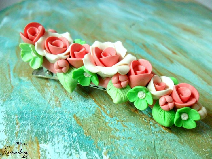 White and pink roses hairclip (20 LEI la LoveMade.breslo.ro)