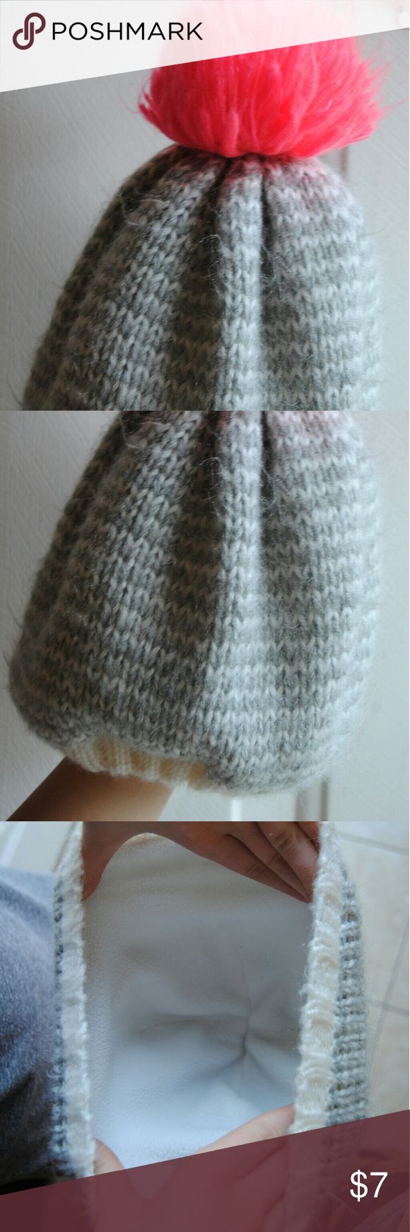 Girls winter hat Super cute girls winter hat. Never worn. No stains or snags. Accessories Hats