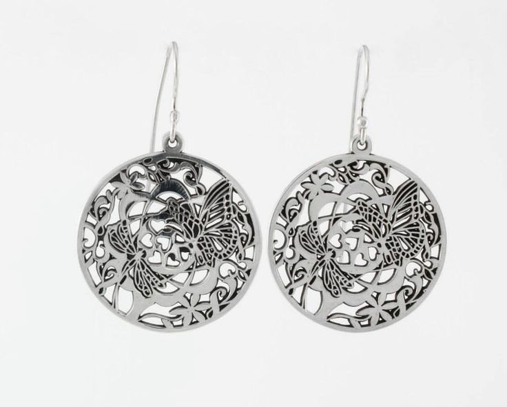 Round earrings with butterflies