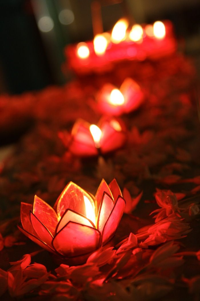 Love this candle holder because it adds color to the table.   This website gives great ideas for an Indian Wedding.
