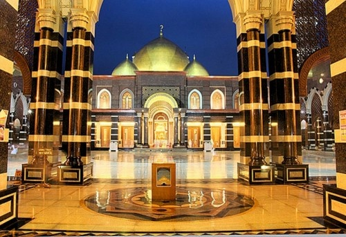 Architecture- Golden Dome Mosque in Indonesia