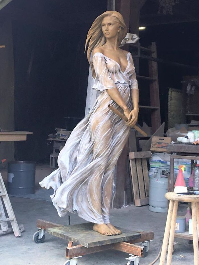 Artist Creates Life-Size Sculptures Of Women Inspired By Renaissance Art, Reveals The Beauty Of Female Form