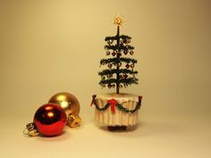 victorian tabletop christmas tree...good tutorial